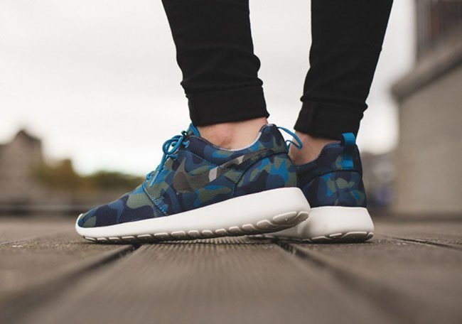 big sale 4a783 0da4c Nike Roshe Run Print Blue Camo