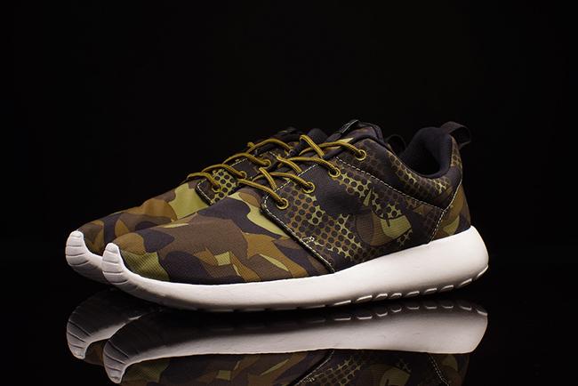 fashion the best hot sales Nike Roshe Run Print Camo | SneakerFiles