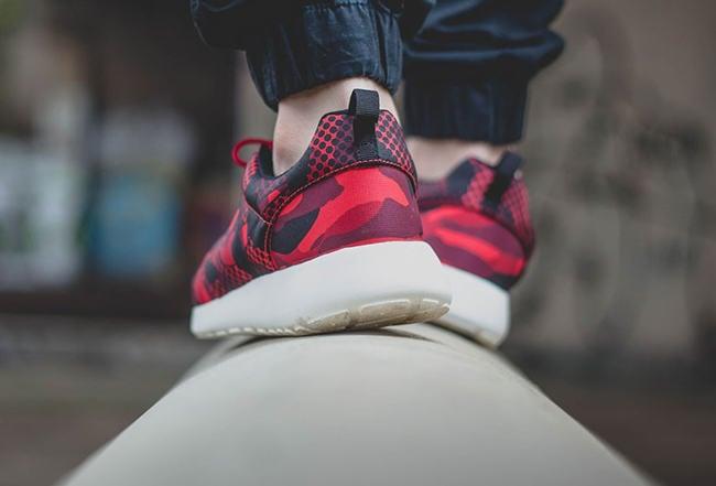 Nike Roshe Run Print Daring Red