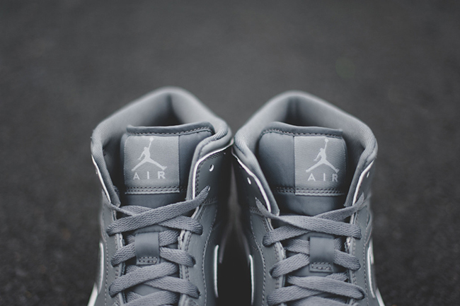 Air Jordan 1 Mid Triple Grey