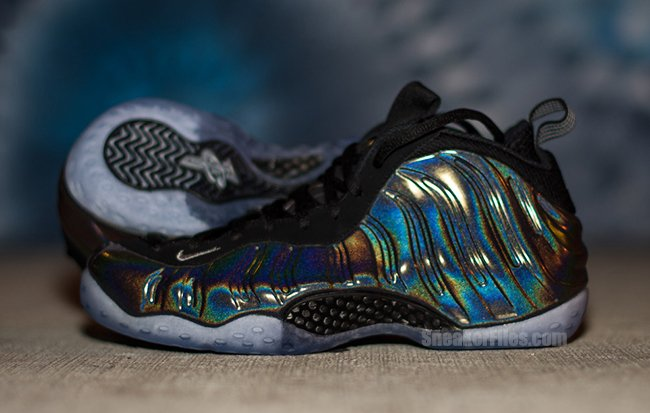 reputable site 477bd 640ea Nike Air Foamposite One Hologram Releases Tomorrow well ...