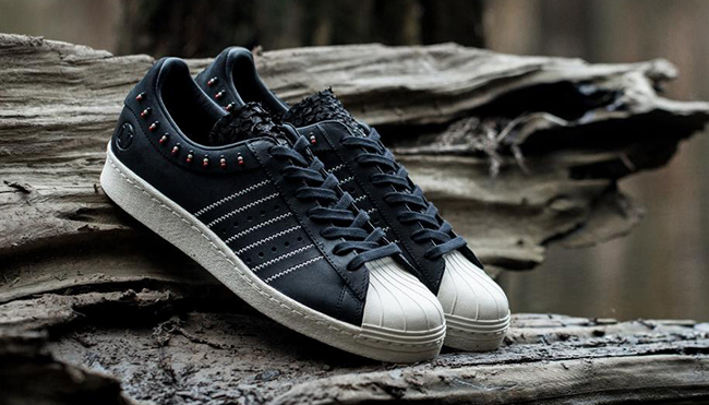 Invincible adidas Superstar