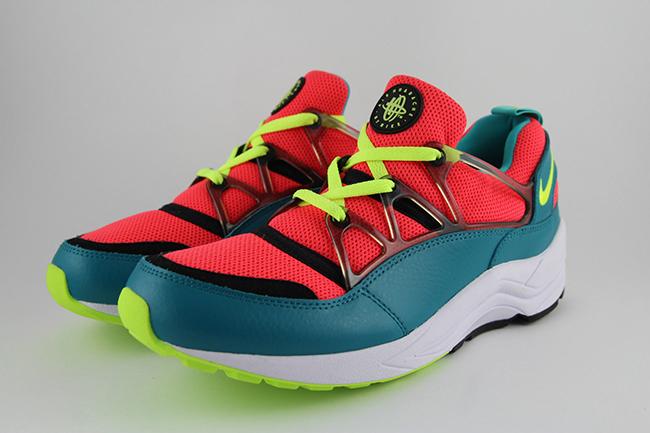 Nike Air Huarache Light Bright Crimson Volt