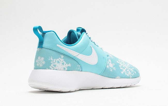 Nike Roshe One GS Winter Snowflakes