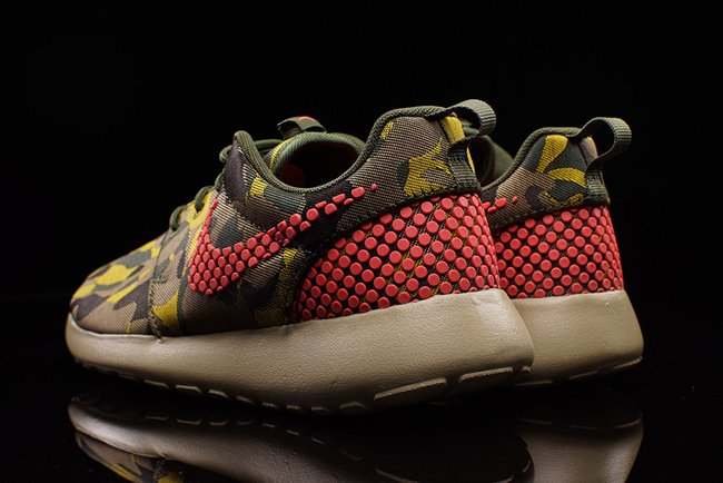 Nike Roshe One Plus Camo