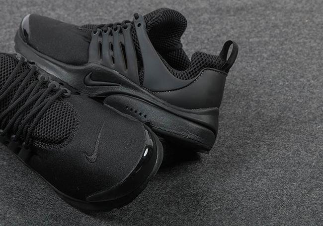 Triple Black Nike Air Presto