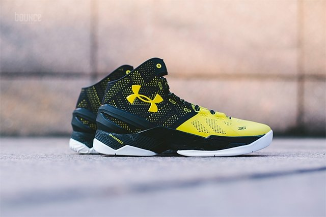 Under Armour Curry 2 Long Shot Black Yellow  082f874c2