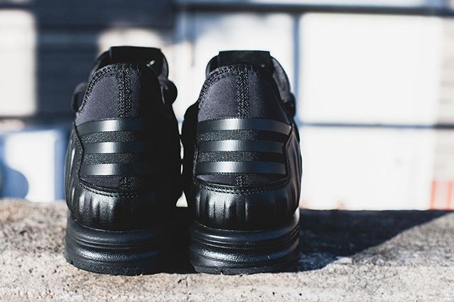adidas ZX Flux Plus Triple Black