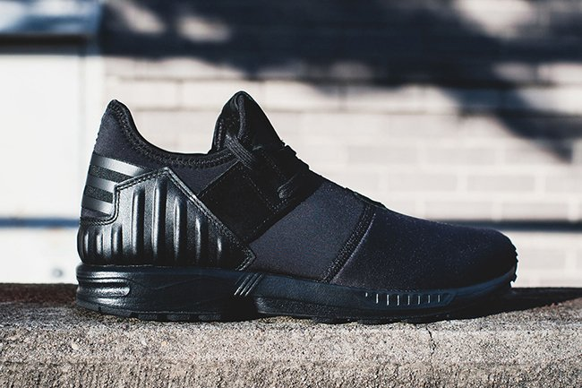 adidas ZX Flux Plus Triple Black