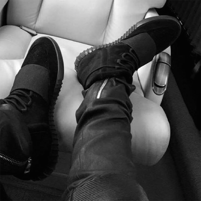Black Yeezy 750 Travis Scott