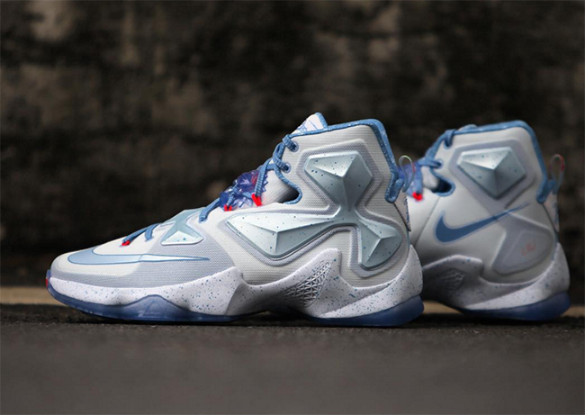 wholesale dealer cf1bc c8391 Christmas Nike LeBron 13