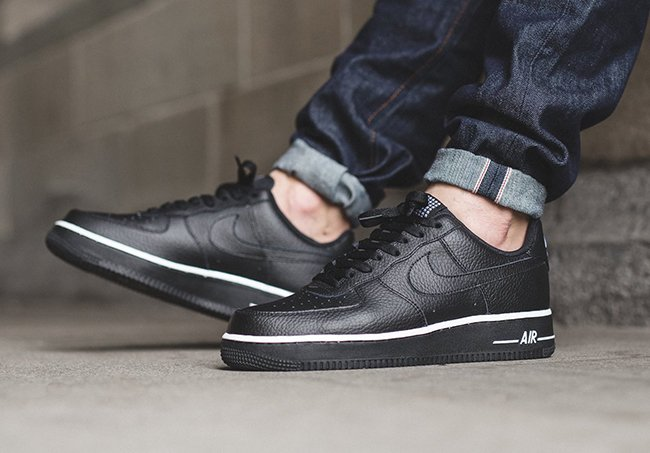 best website d019b e3277 Nike Air Force 1 Low Black Stars
