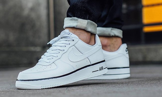 new product 9be3a c5777 Nike Air Force 1 Low White Black Stars