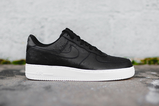 Nike Air Force 1 Low Ostrich Black