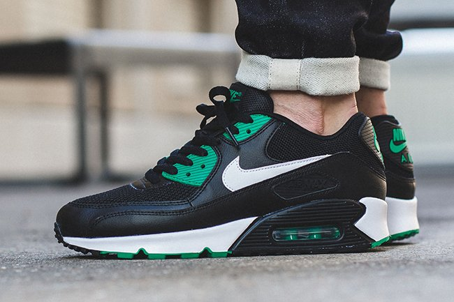 ff13fb13132 Nike Air Max 90 Essential Lucid Green