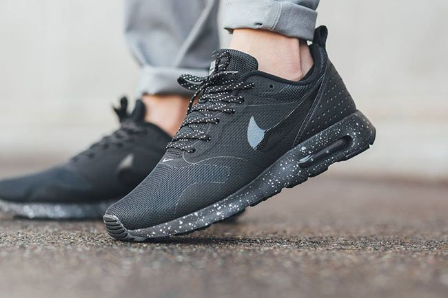 Nike Air Max Tavas Stealth Black