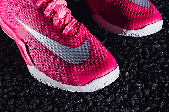 Nike Hyperlive Think Pink