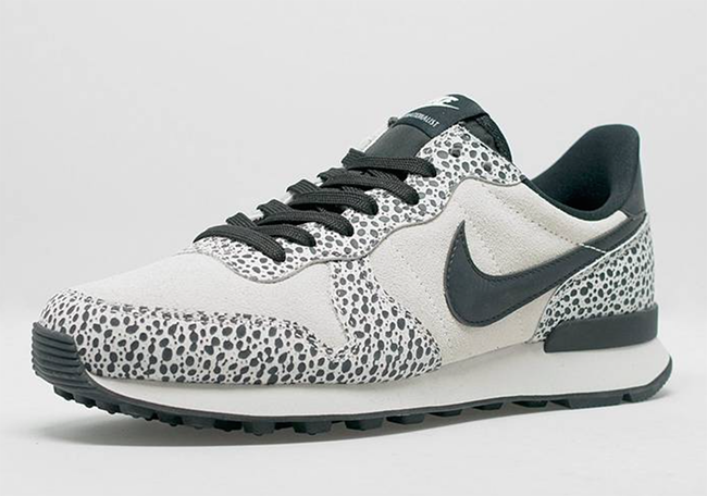 Nike Internationalist Safari