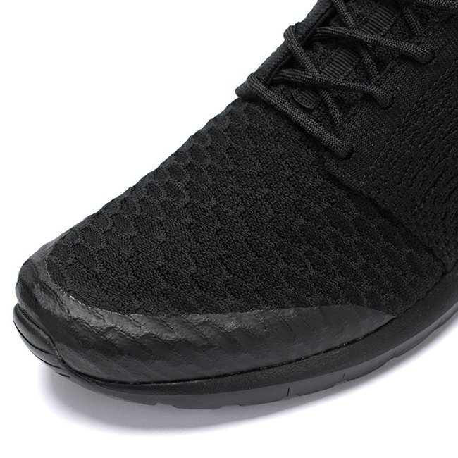 Nike Roshe NM Flyknit Triple Black