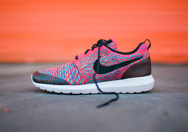 Nike Roshe NM Flyknit SE Bright Crimson
