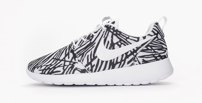 separation shoes e19ee c533a Nike Roshe One Print White Black