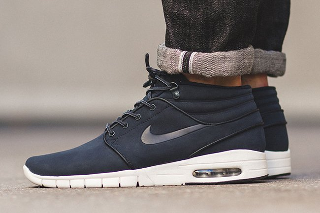 check out ba5a6 b86d6 Nike SB Stefan Janoski Max Mid Leather Dark Obsidian | SneakerFiles