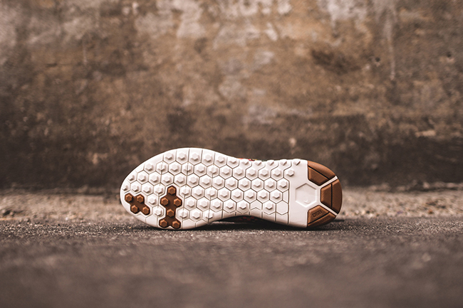 Nike WMNS Koth Ultra Desert Camo