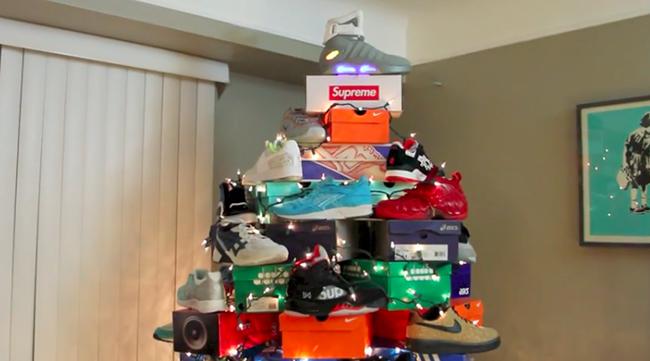 Christmas Sneakers.Sneaker Christmas Tree Sneakerfiles
