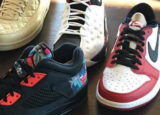 Air Jordan 1 Low OG Chicago 2016