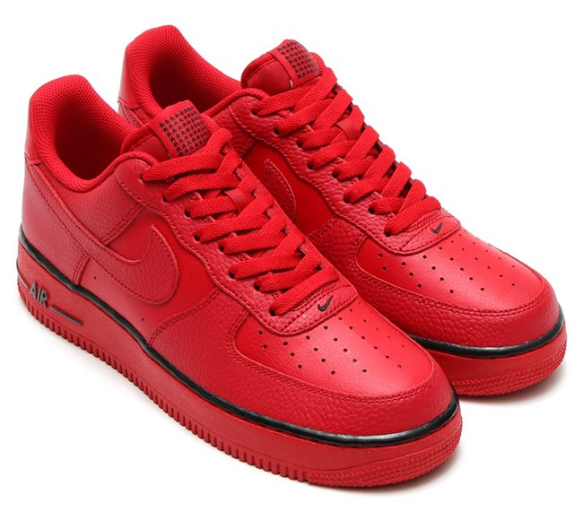 sale retailer 78bf4 0428d Stars Land on the Nike Air Force 1 Low Red delicate