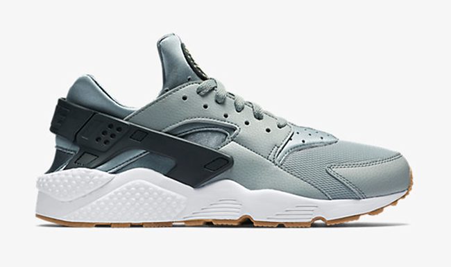 Nike Air Huarache Shark
