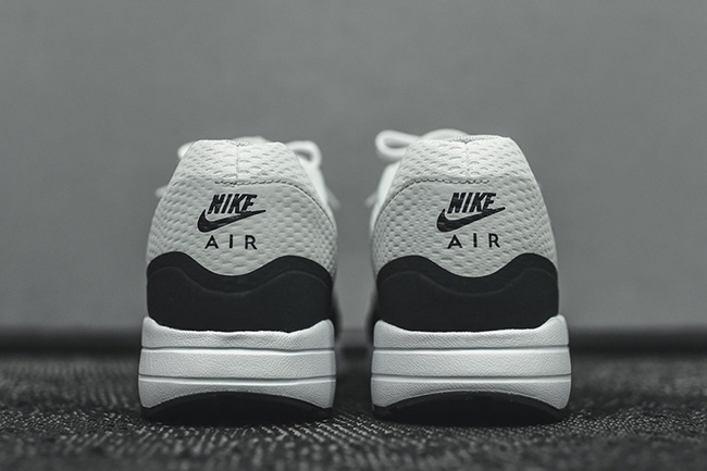 sports shoes 438d6 663ef Nike Air Max 1 Ultra Essential White Anthracite