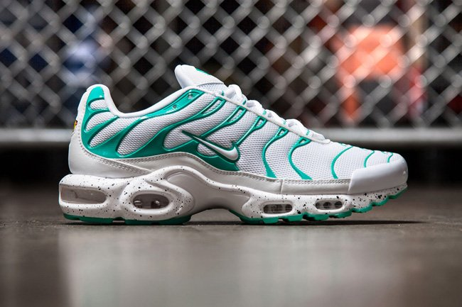 nike air max plus mint sneakerfiles. Black Bedroom Furniture Sets. Home Design Ideas