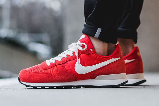 Nike Internationalist Light Crimson