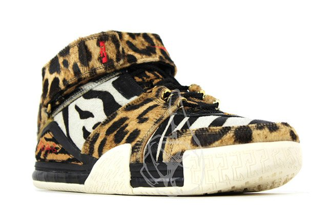 Nike LeBron 2 Beast 2011 Retro Sample