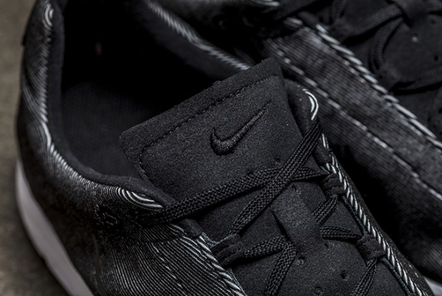 Nike Mayfly Black White