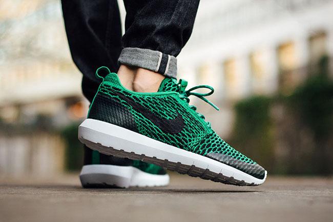 Nike Roshe NM Flyknit SE Lucid Green