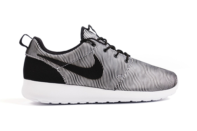 Nike Roshe One Premium Plus Stripes