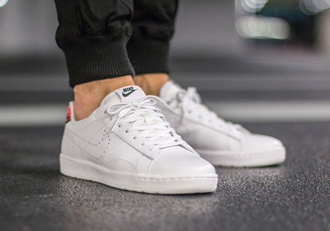 Nike Tennis Classic Ultra Hot Lava