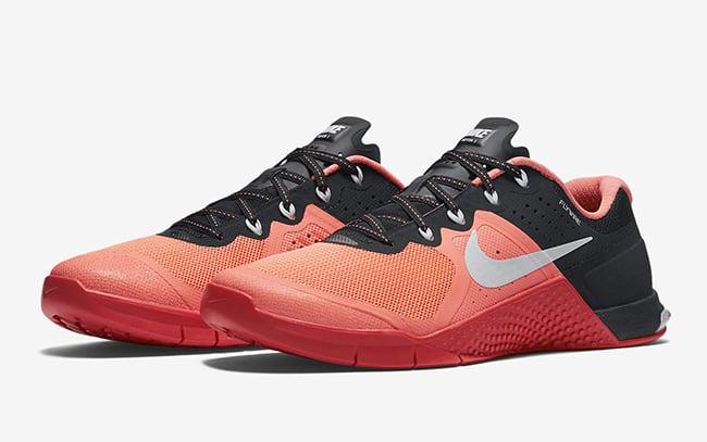 Nike WMNS Metcon 2 Mango White Crimson