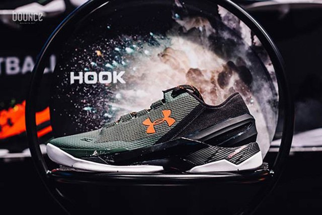 Under Armour Curry 2 Low Hook