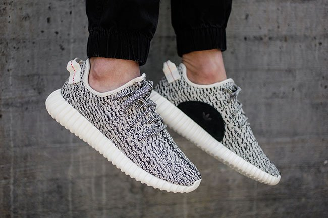 Кроссовки с aliexpress Kanye West x Adidas Yeezy Boost 350 Почти