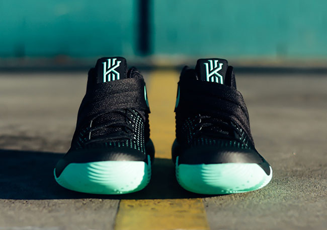 Green Glow Kyrie 2