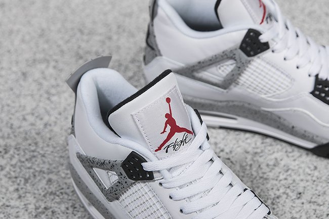 Nike Air Jordan 4 White Cement Retro