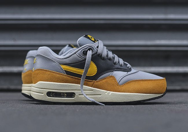 quality design 61391 b0550 Nike Air Max 1 Gold Leaf