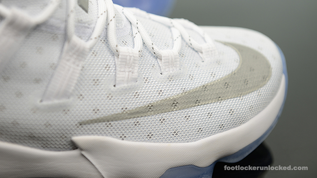 Nike LeBron 13 Low Metallic Silver