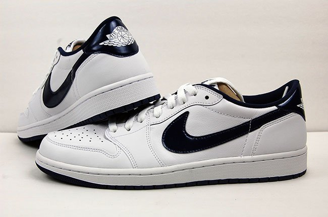 Air Jordan 1 Retro Low OG White Midnight Navy Review