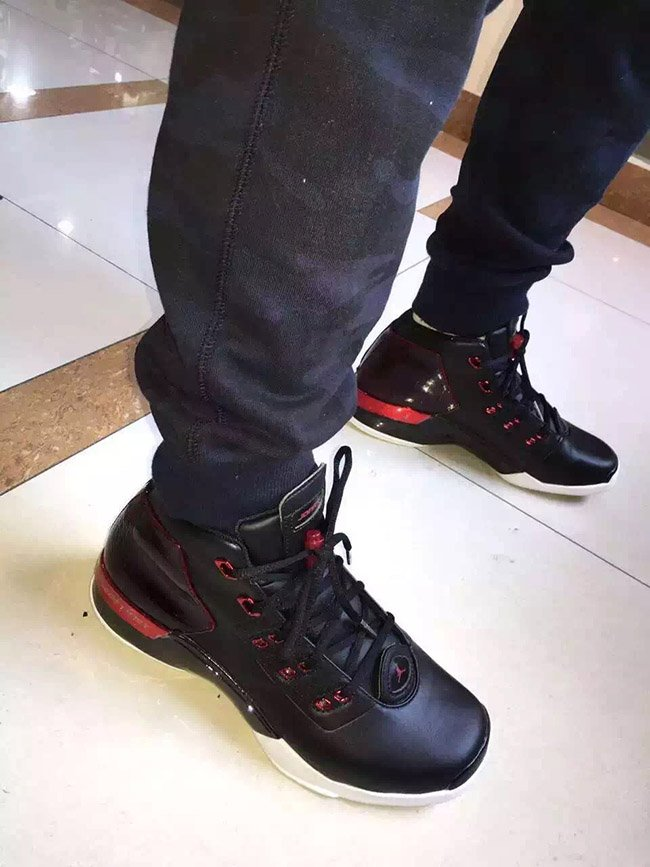 Air Jordan 17 Chicago Bulls Bred On Feet