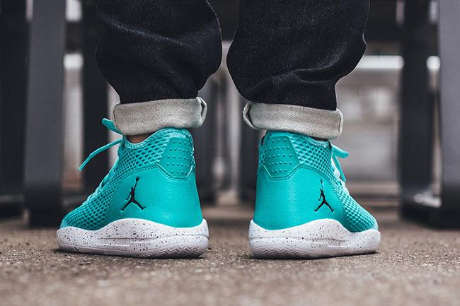 Jordan Reveal Hyper Turquoise