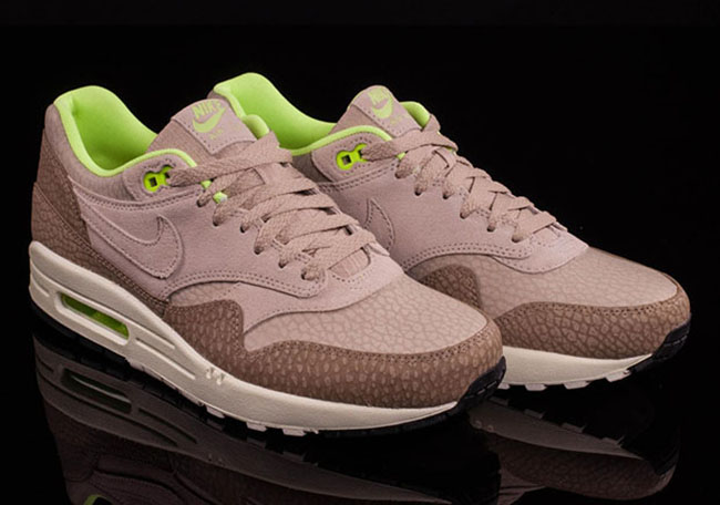 Nike Air Max 1 String Desert Ghost Green